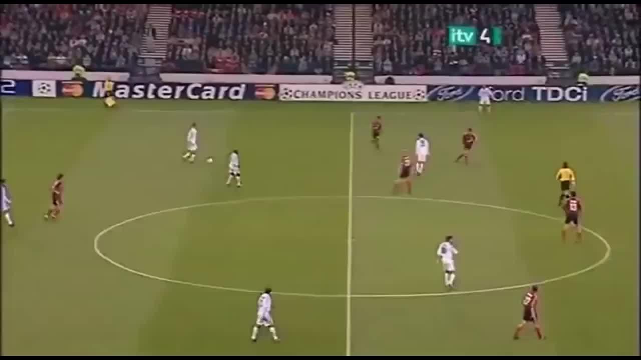 Bàn thắng của Zidane vào lưới Leverkusen 2002