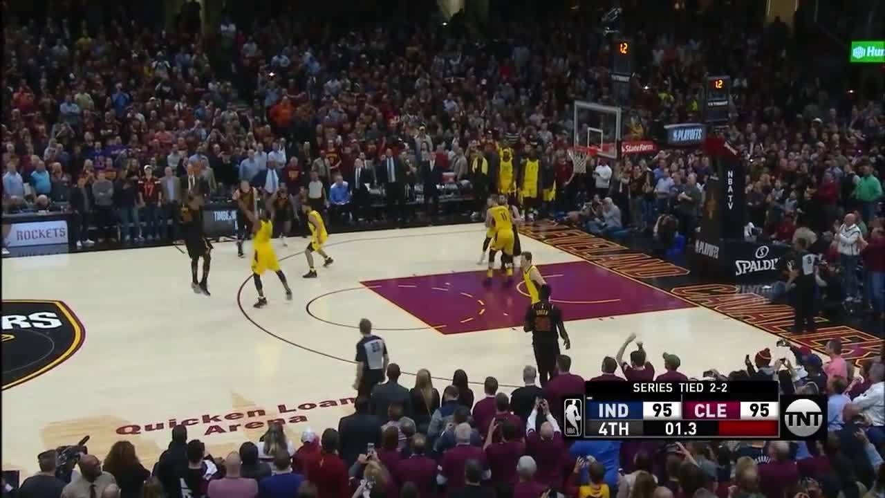 Cú buzzer-beater ghi ba điểm quyết định của LeBron James