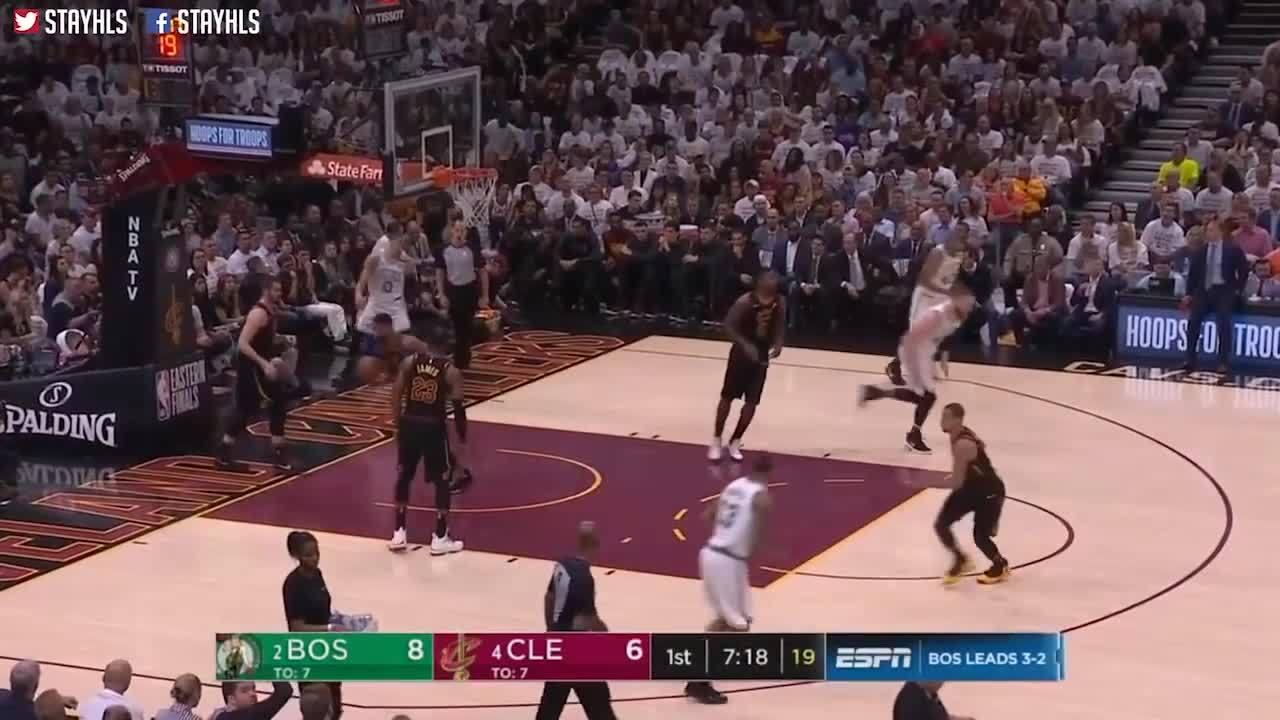 Lebron James tỏa sáng giúp Cavaliers cân bằng tỷ số chung kết miền Đông