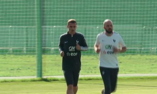 Griezmann tập luyện cùng tuyển Pháp hôm 18/6
