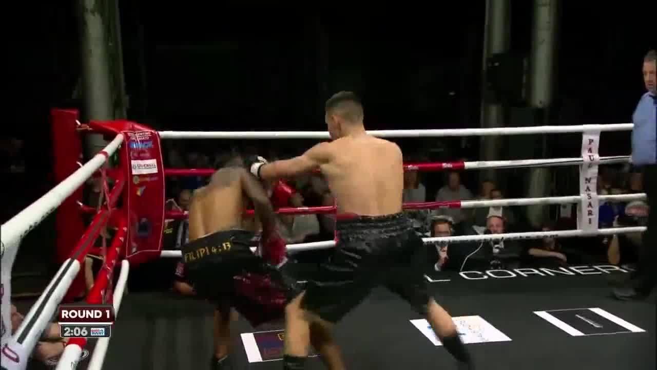 Võ sĩ Indonesia bị tố ăn vạ để nhường đai vô địch cho đối thủ