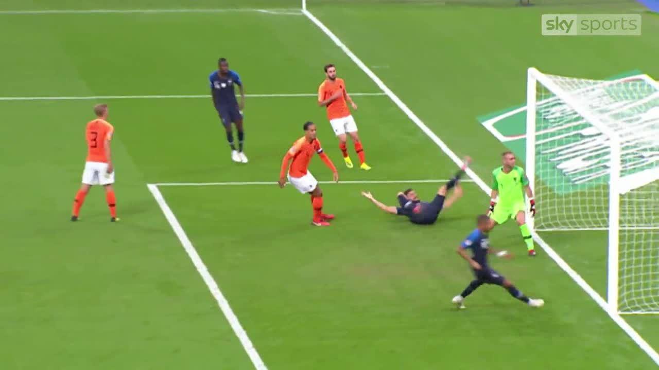 Pháp 2-1 Hà Lan