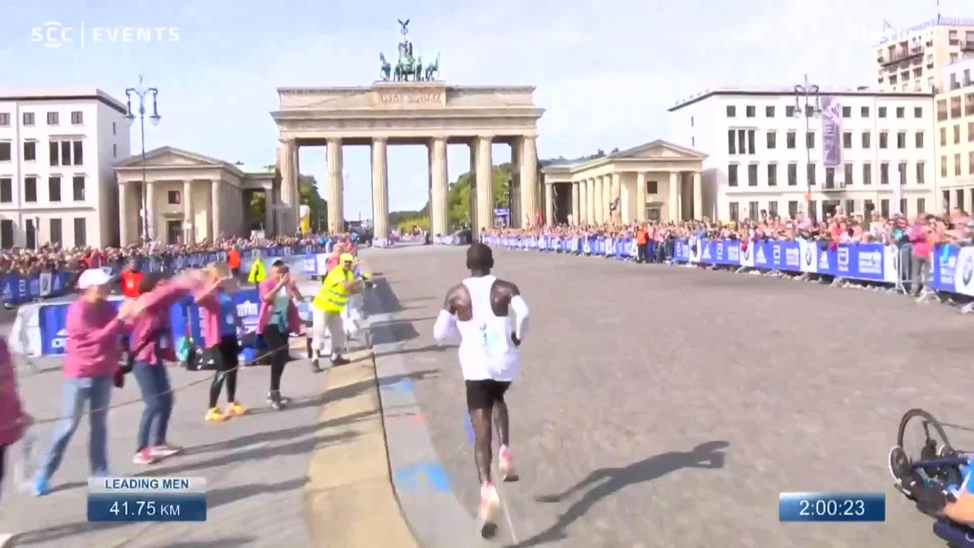 Kipchoge phá vỡ kỷ lục marathon thế giới ở Berlin