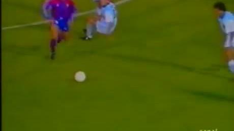 """Ronaldo """"béo"""" ghi bàn thắng đẹp bậc nhất lịch sử La Liga cho Barca"""