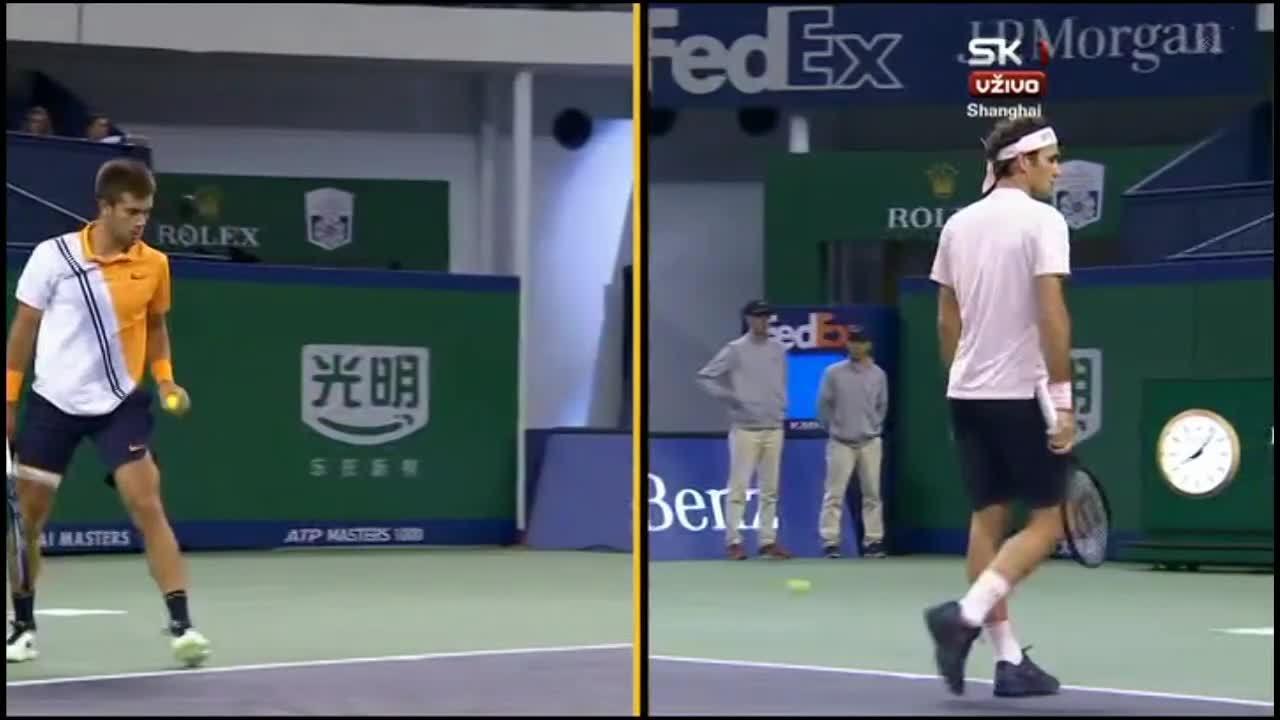 Roger Federer 0-2 Borna Coric