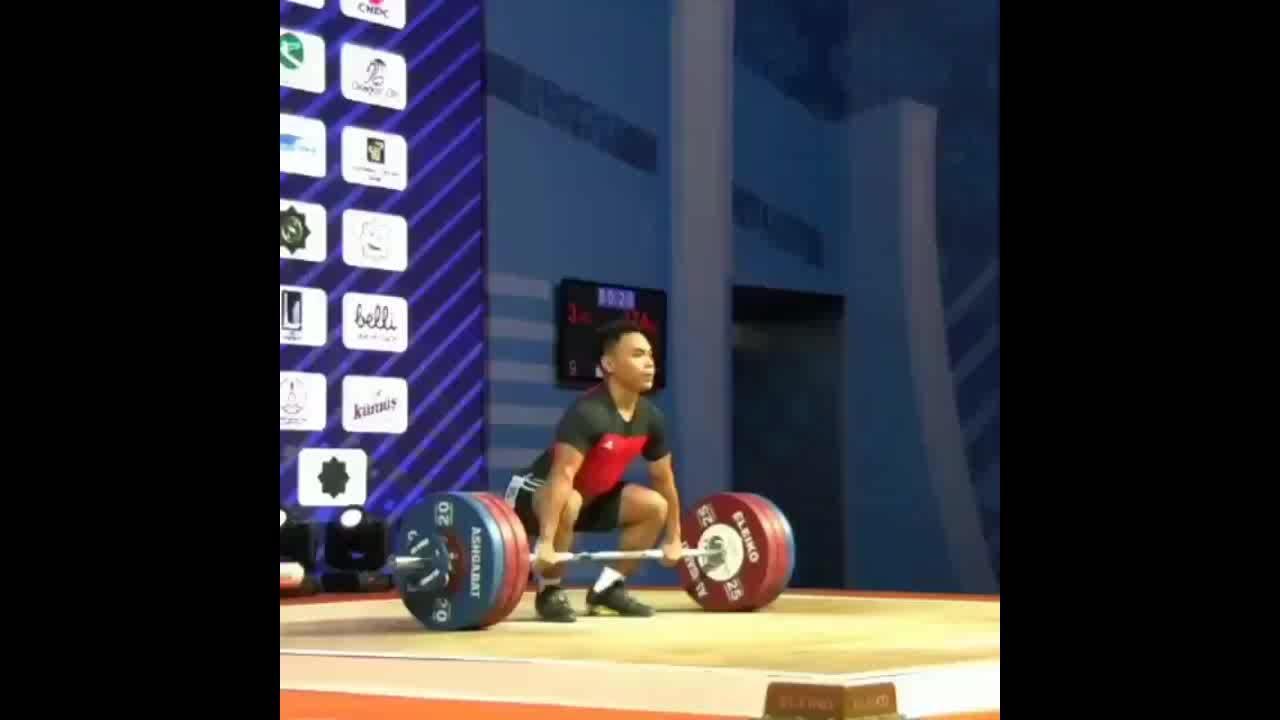 Eko Yuli lập kỷ lục thế giới cử đẩy với mức tạ 174 kg