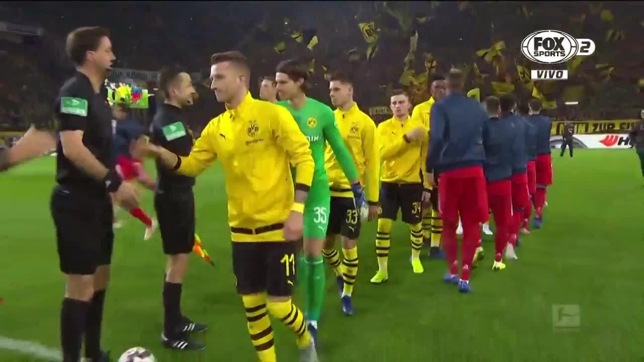 Dortmund thắng ngược Bayern, tạo cách biệt bảy điểm