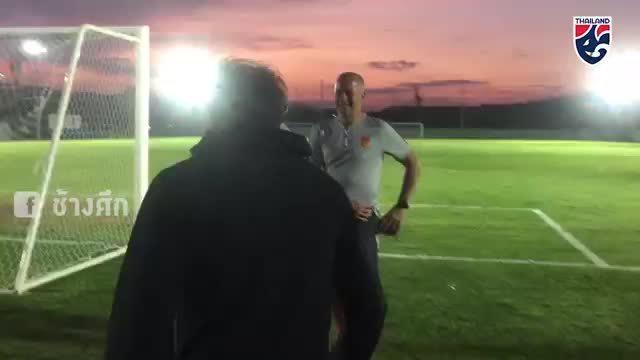 HLV Hiddink thăm Thái Lan trước bán kết lượt về AFF Cup