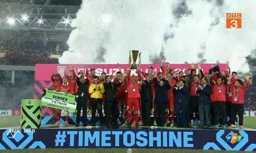Tuyển Việt Nam nâng cup vô địch AFF Cup 2018