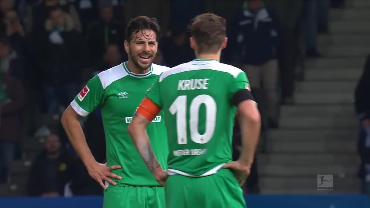 Pizarro lập kỷ lục cầu thủ lớn tuổi nhất ghi bàn tại Bundesliga