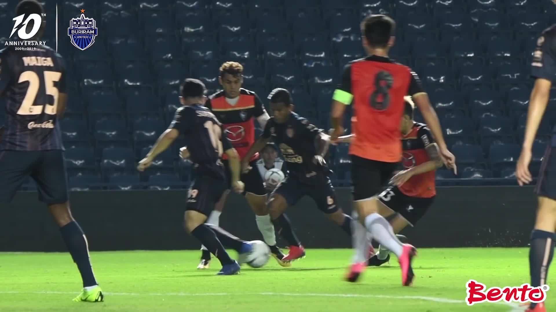 Xuân Trường ra mắt trong trận giao hữu của Buriram Utd