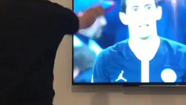CĐV Man Utd hả hê khi Di Maria thua trận