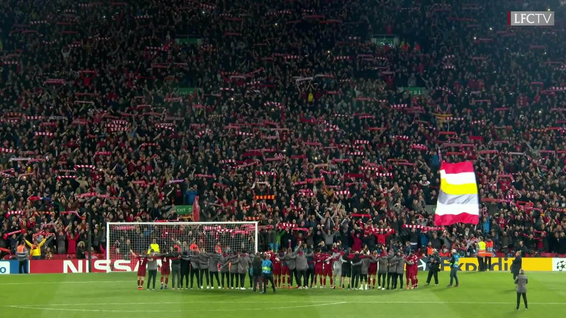 CĐV Liverpool hát You Never Never Alone
