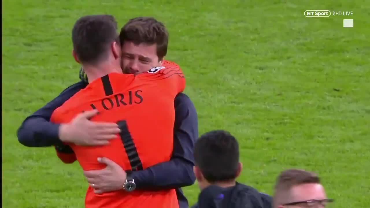 Pochettino khóc khi Tottenham vào chung kết