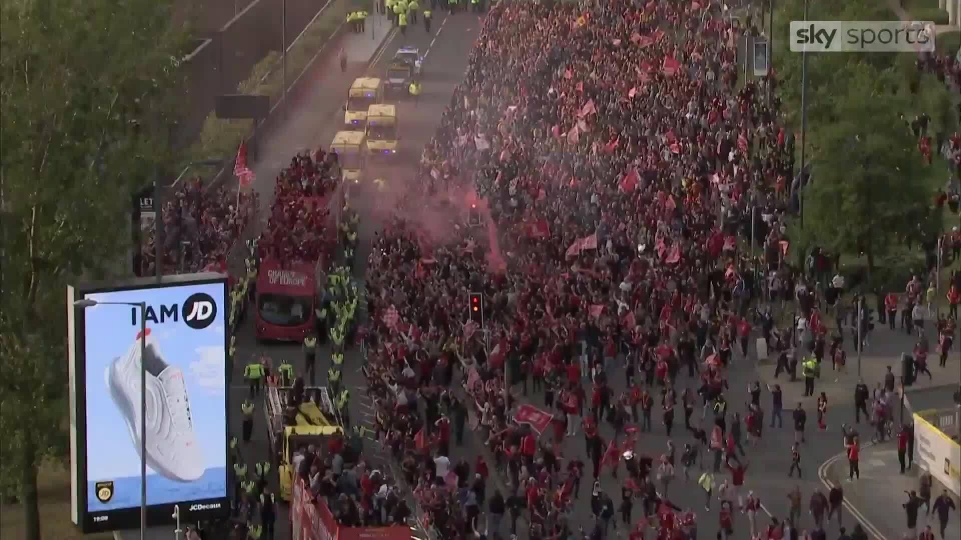 Liverpool diễu hành mừng chức vô địch Champions League 2018/19