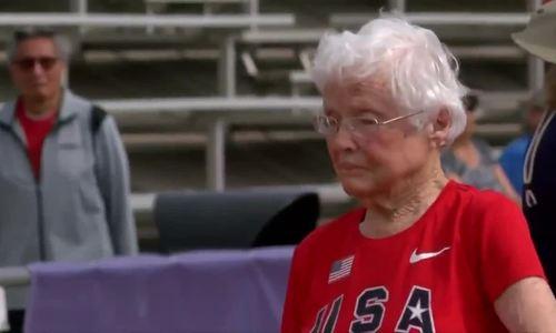 Julia Hawkins - cụ bà 103 tuổi lập kỷ lục chạy 50m