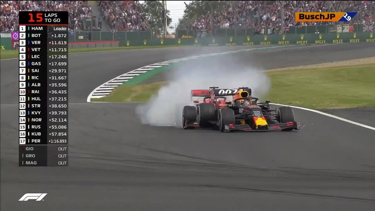 Vettel nhận lỗi sau khi đâm vào Verstappen