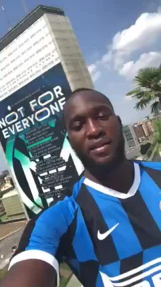 Lukaku mặc áo Inter