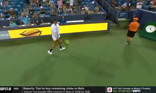 Trò tiểu xảo trong quần vợt chuyên nghiệp