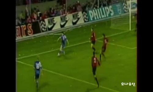 Romario hành hạ hàng thủ AC Milan