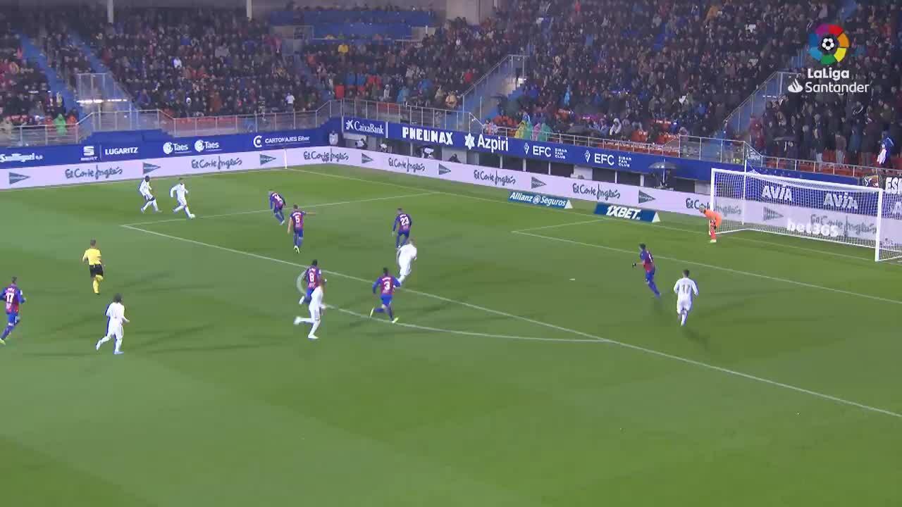 Real thắng đậm trên sân Eibar