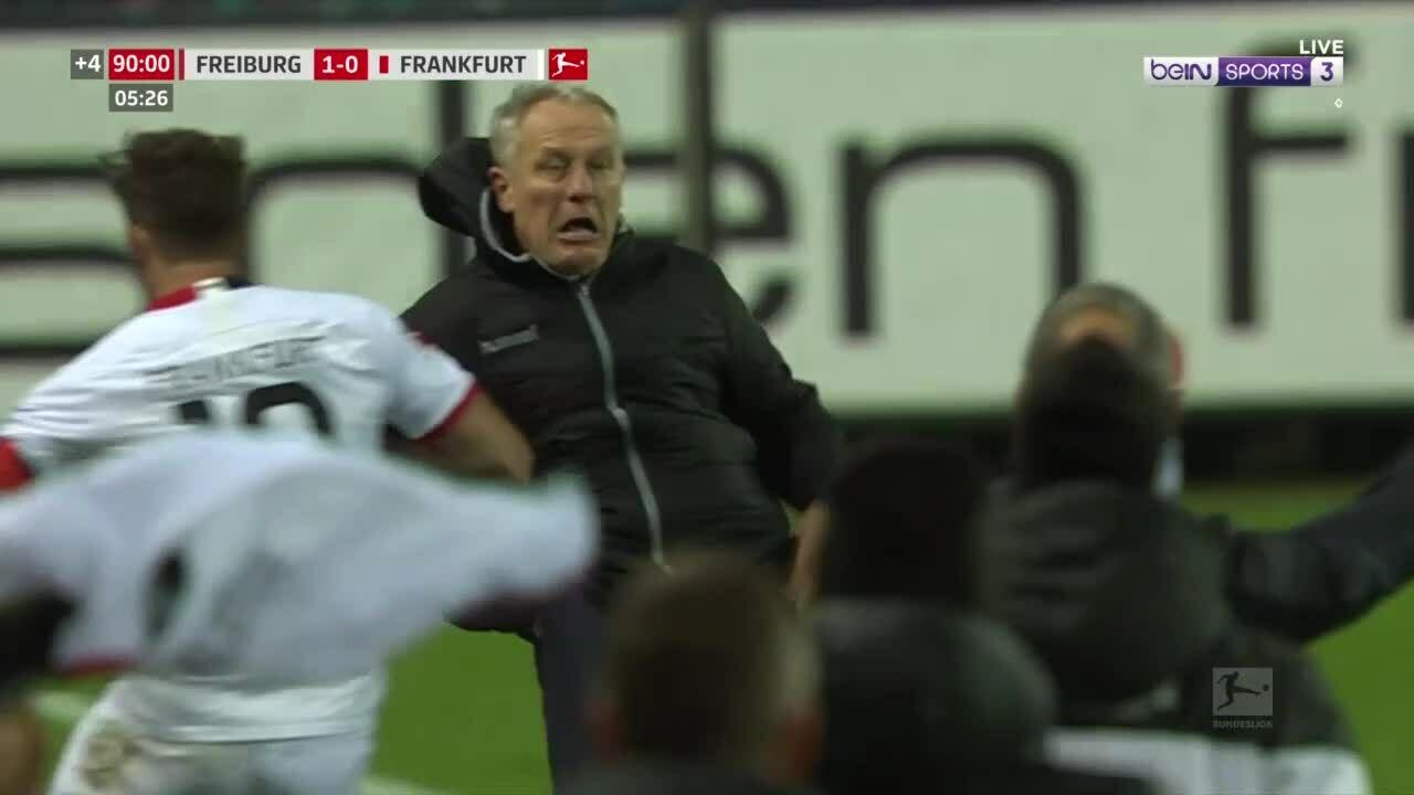 Đội trưởng Frankfurt đẩy ngã HLV Freiburg