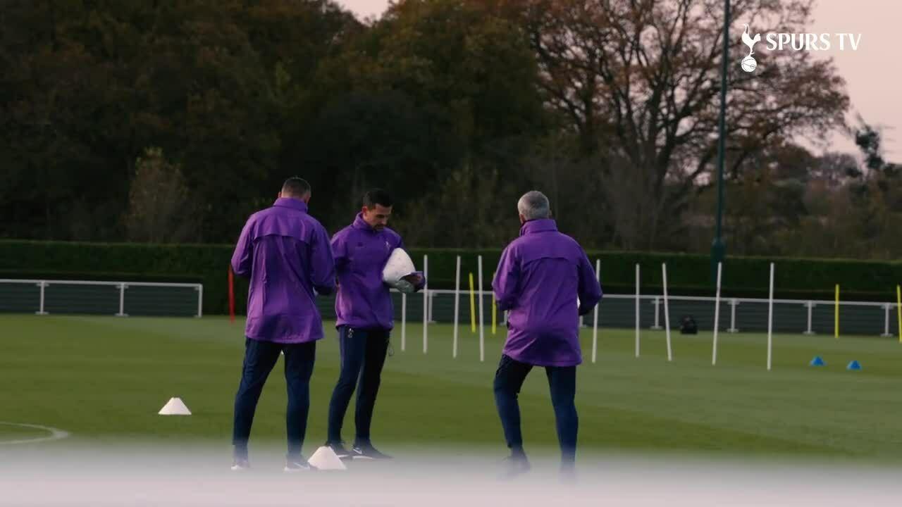 Mourinho có buổi tập đầu tiên tại Spur
