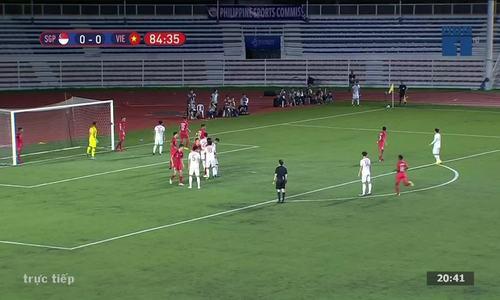 Đức Chinh ghi bàn vào lướiSingapore