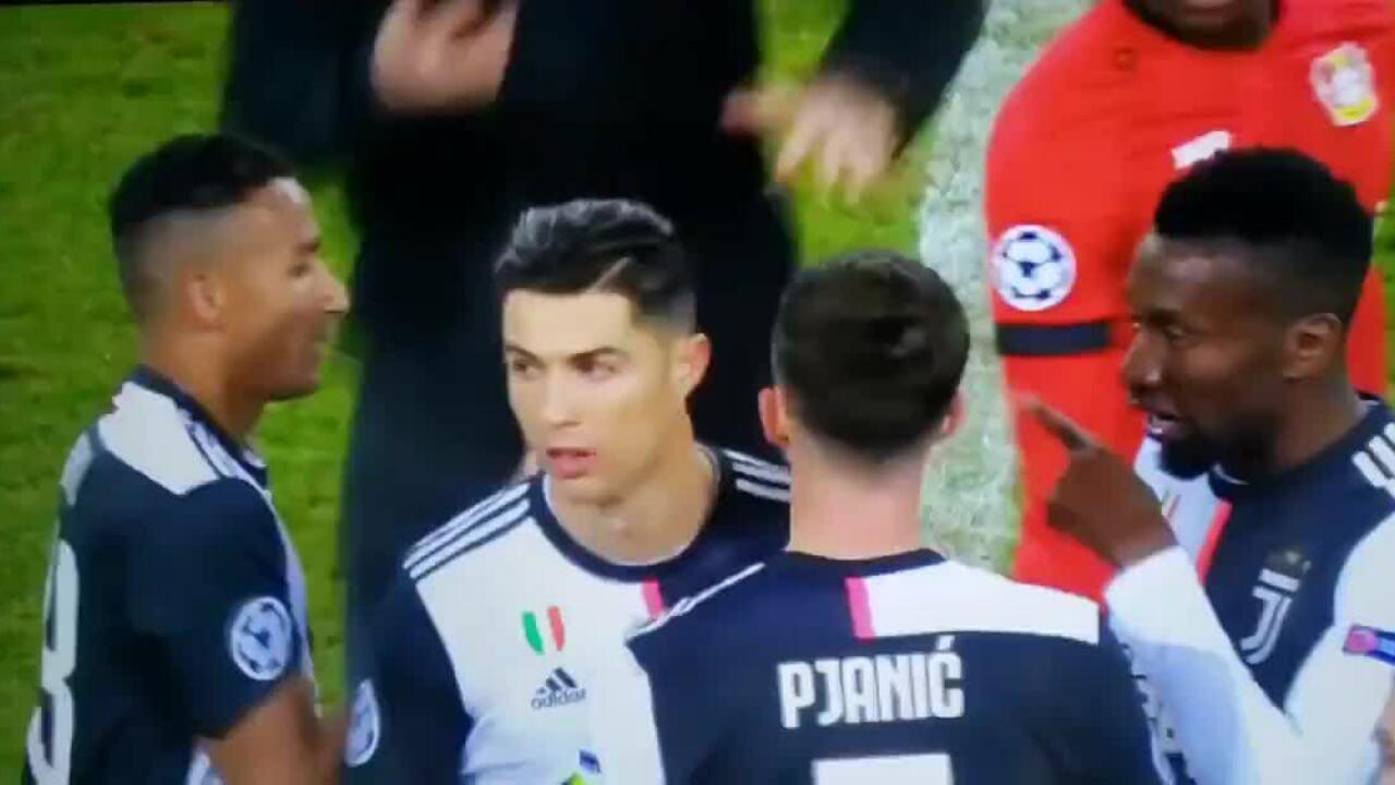 Ronaldo ghi bàn trong trận cầu thủ tục của Juventus
