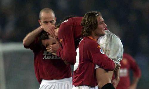 Batistuta khóc sau khi ghi bàn vào lưới Fiorentina