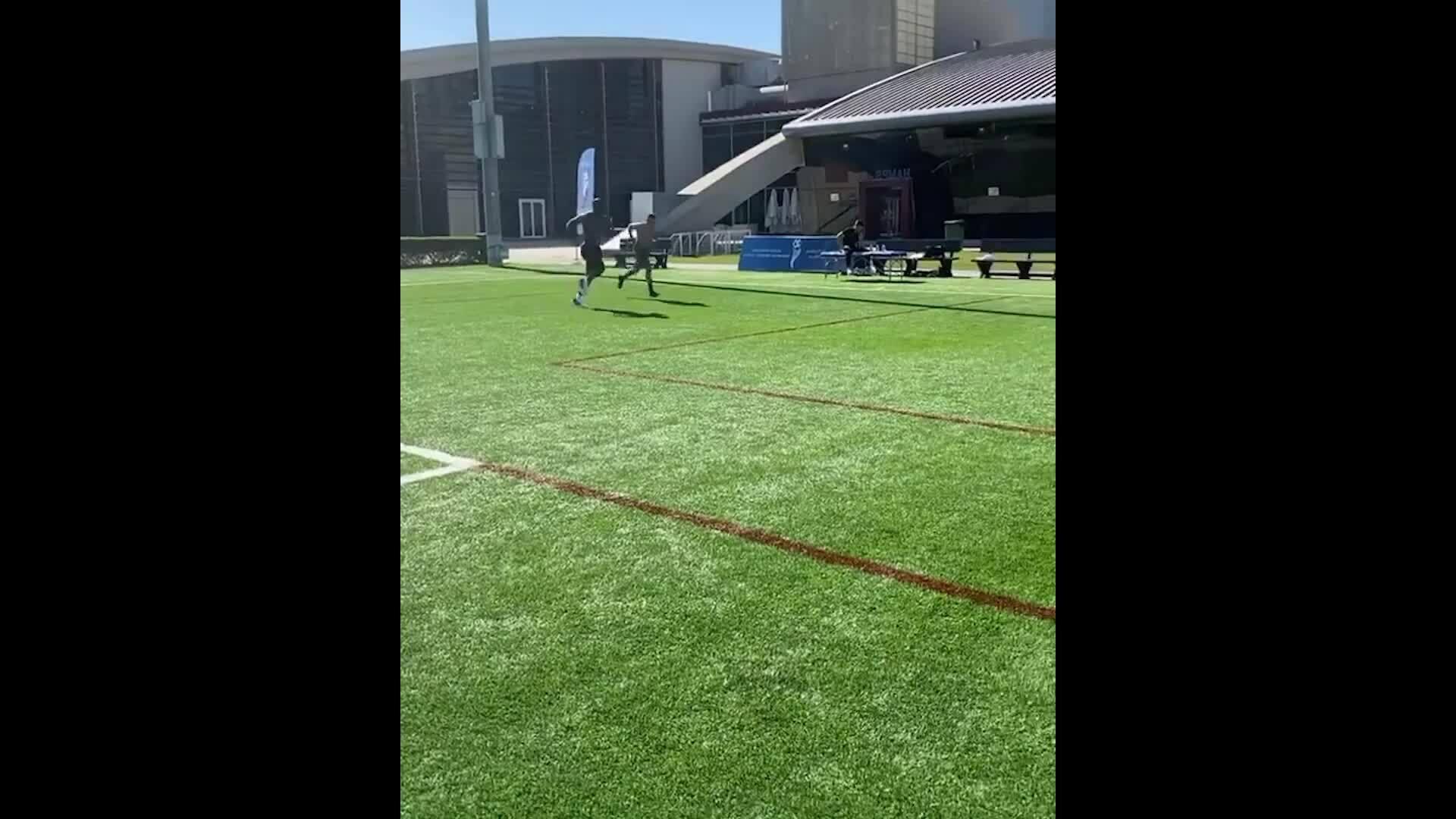 Lukaku rẻn luyện kỹ năng