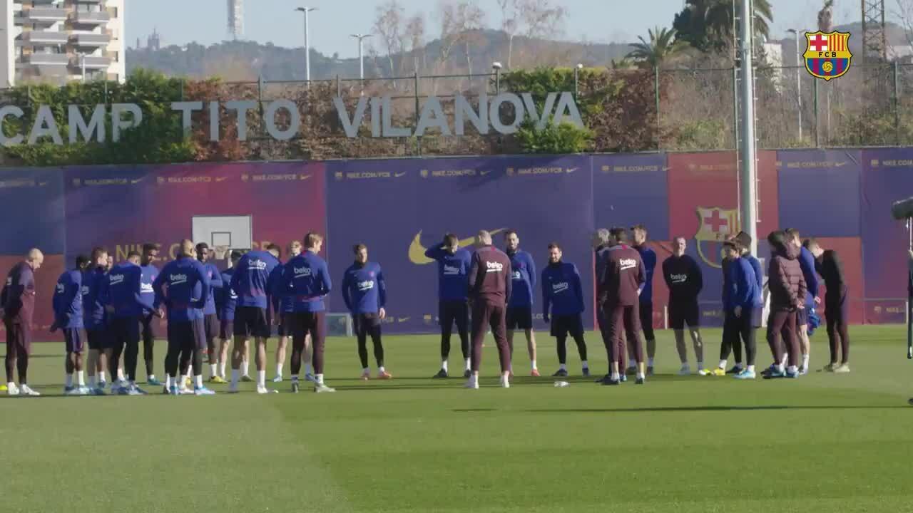 Buổi tập đầu tiên của Setien với các cầu thủ Barca