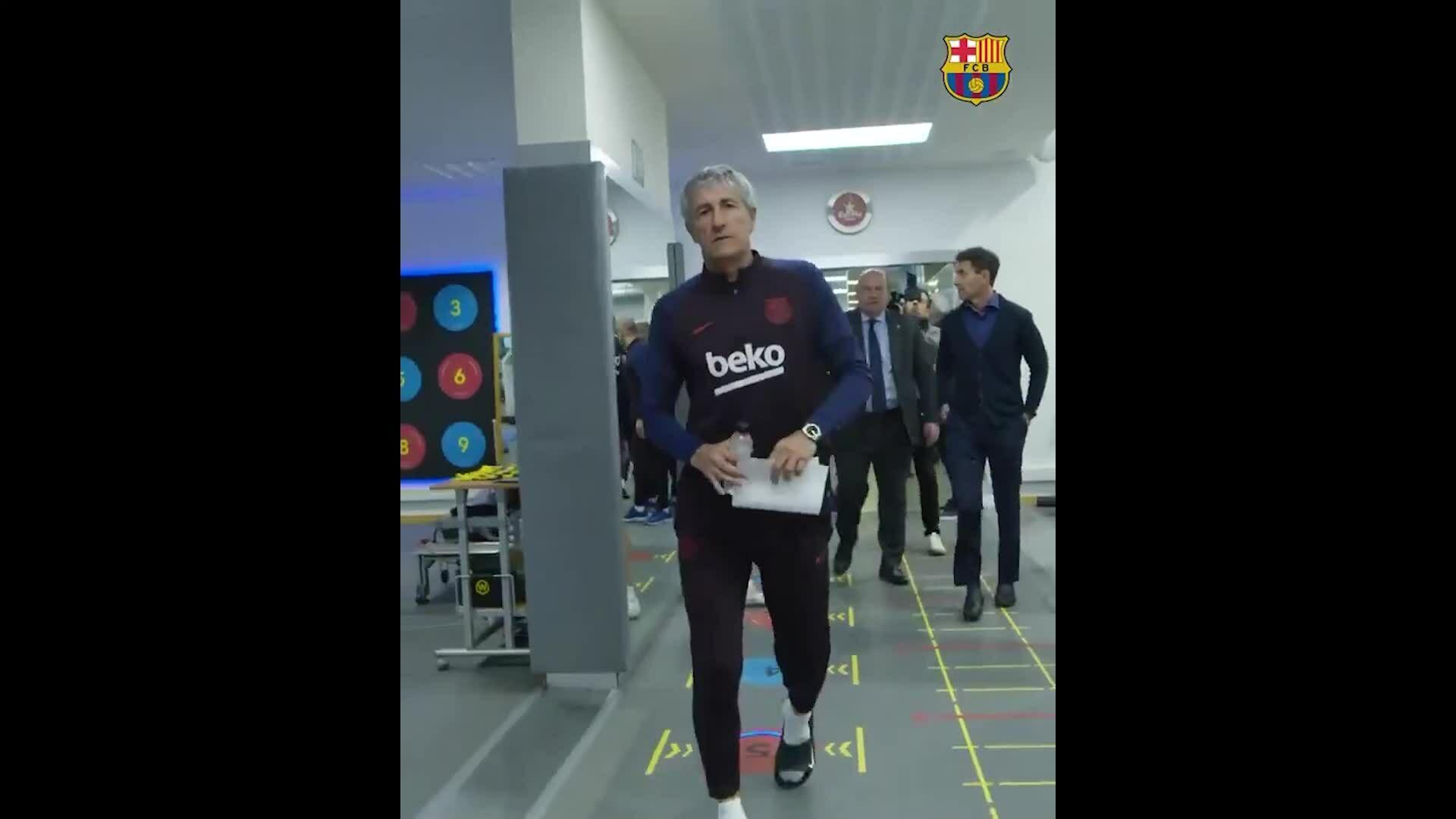Setien lần đầu gặp các cầu thủ Barca