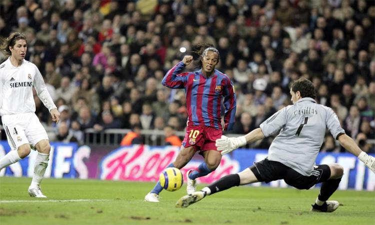 Ronaldinho và tuyệt phẩm ở Bernabeu