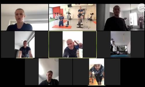 Arjen Robben luyện tập online cùng đồng đội