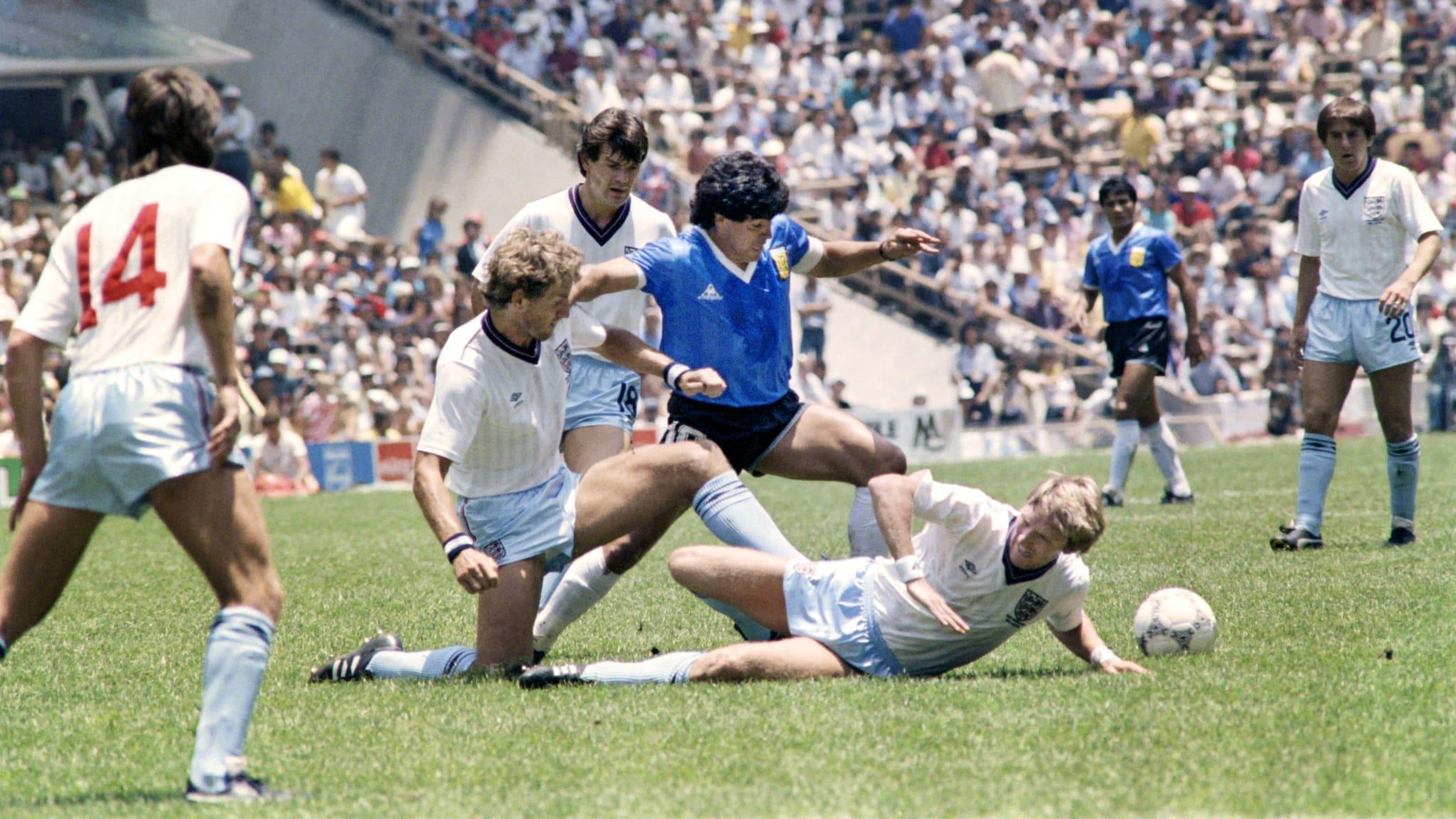 Bàn thắng đẹp nhất thế kỷ của Maradona