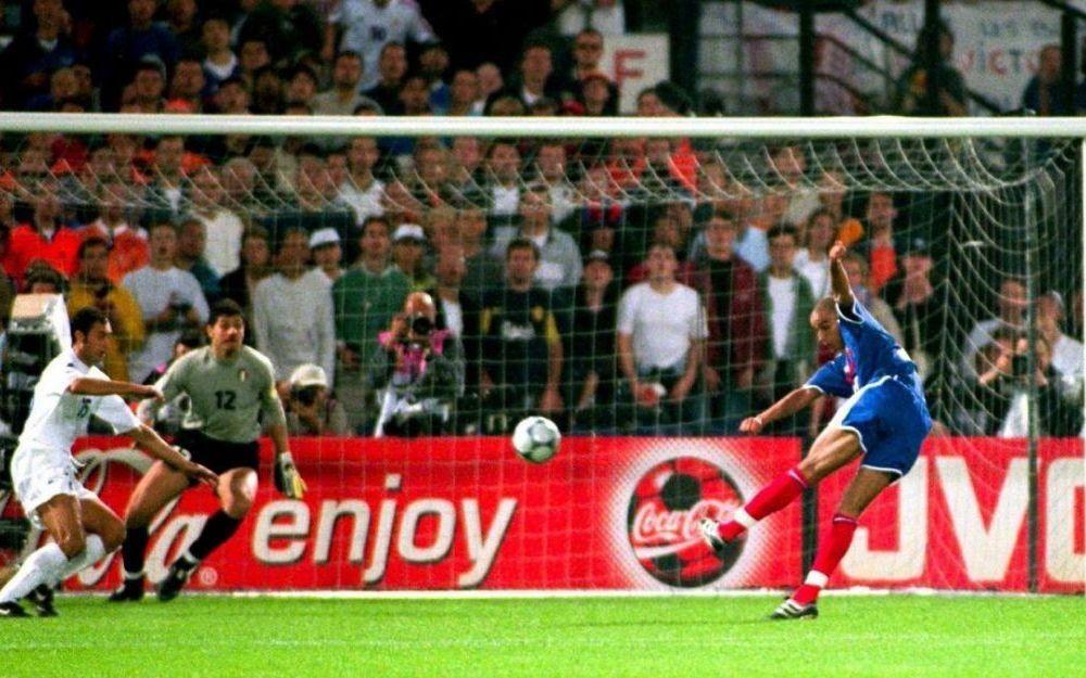 Chung kết Euro 2000: Pháp 2-1 Italy