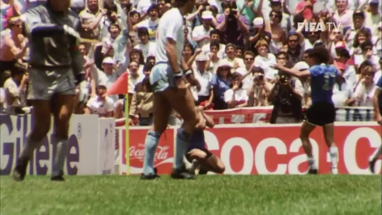 Bốn bàn thắng giống nhau Diego Maradona với Lionel Messi