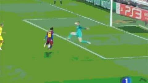 Messi chọc thủng lưới Almunia