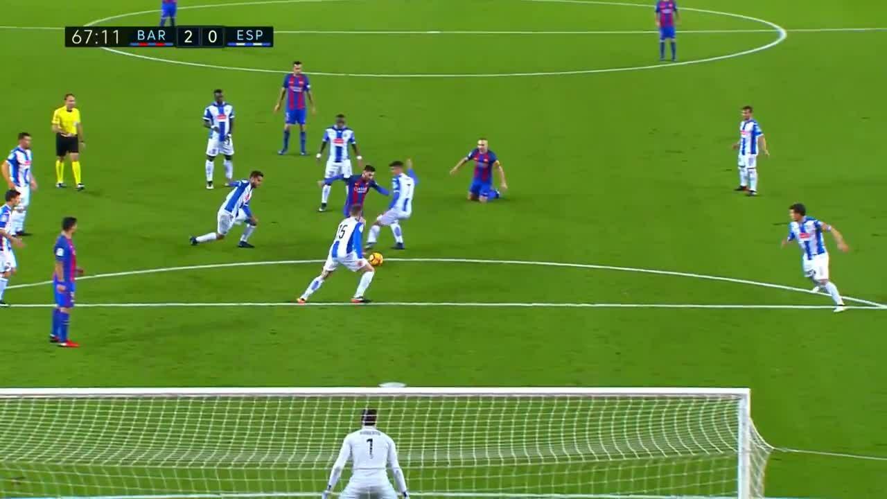 Messi lừa qua bốn cầu thủ Espanyol