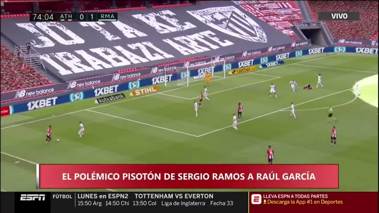 Sergio Ramos dẫm chân lên hậu vệ Bilbao