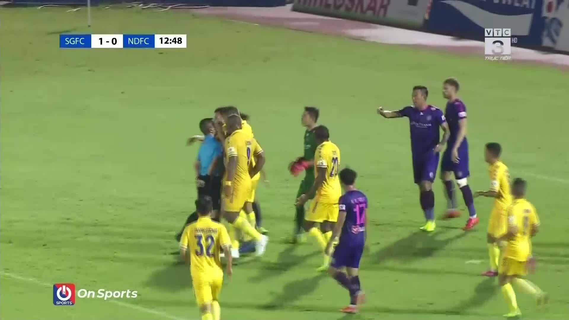 Ba tình huống tranh cãi trong trận Sài Gòn FC - Nam Định
