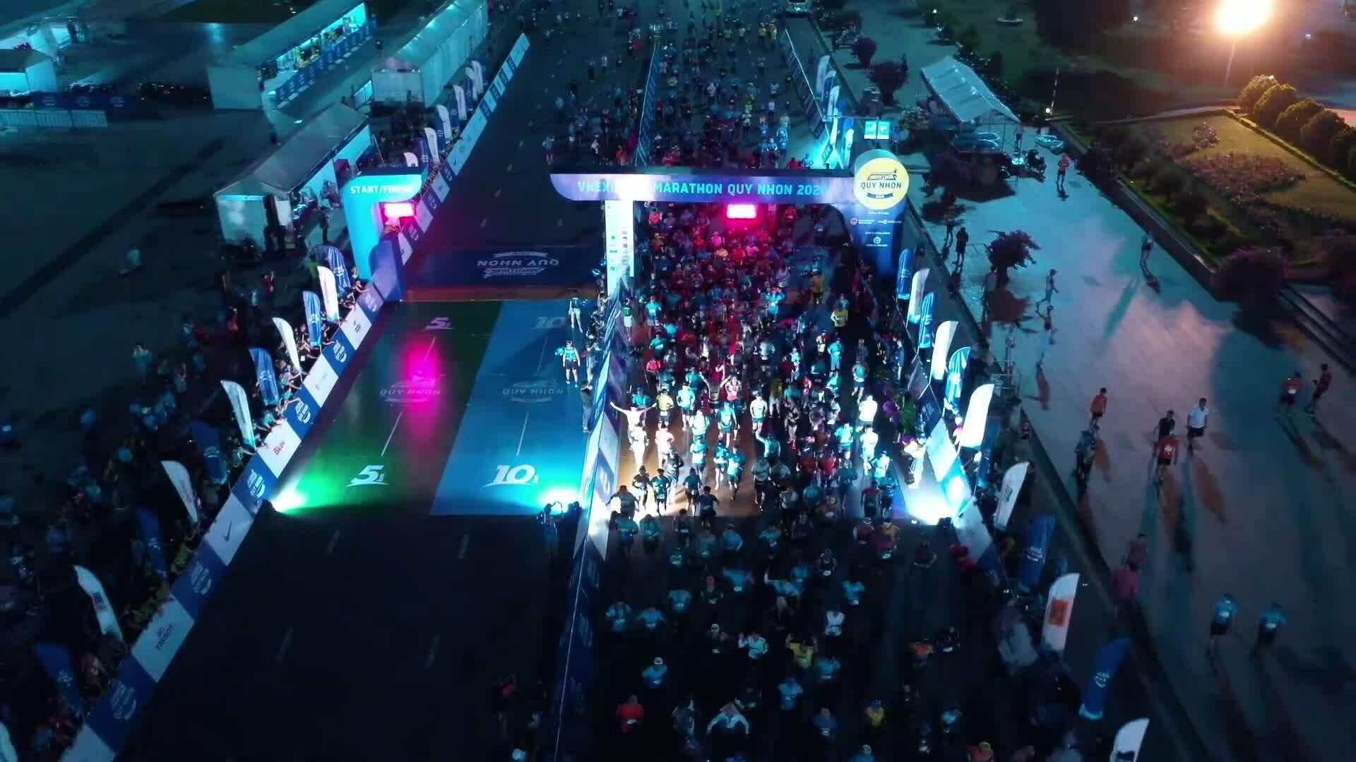 Xuất phát 42 km VNE Marathon 2020