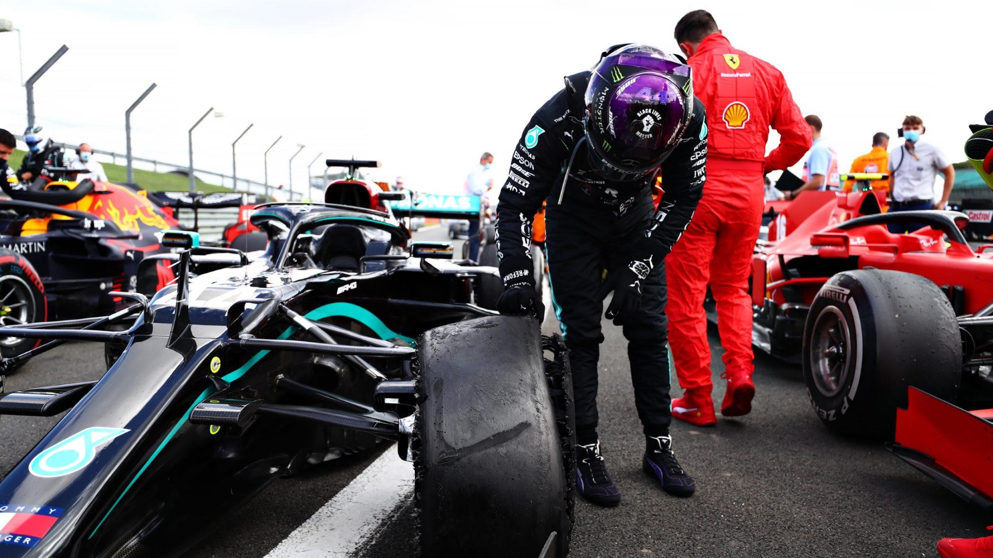 Hamilton đua vòng cuối với lốp trái trước vỡ nát