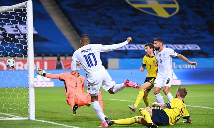 Tuyệt phẩm của Mbappe giúp Pháp hạ Thuỵ Điển 1-0