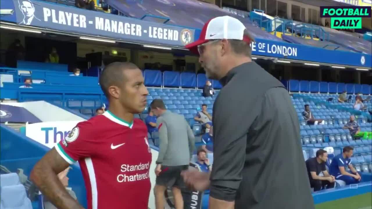 Klopp khích lệ Thiago sau trận thắng Chelsea