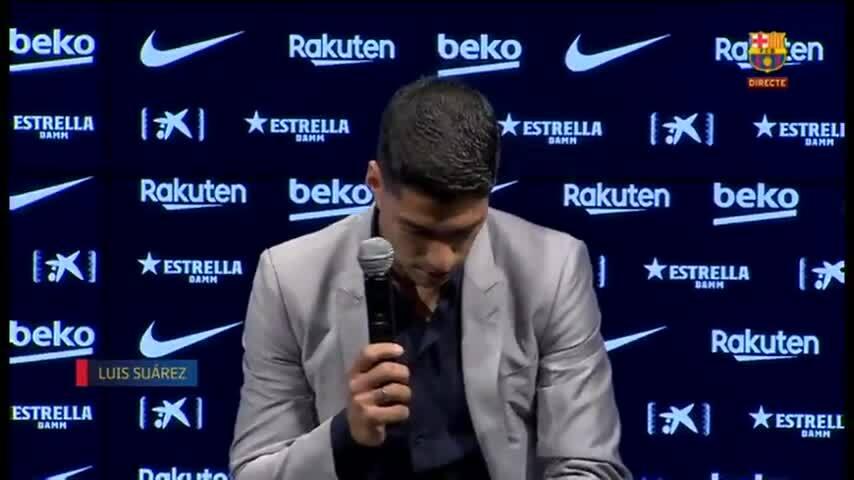 Suarez nghẹn lời trong lễ chia tay Barca