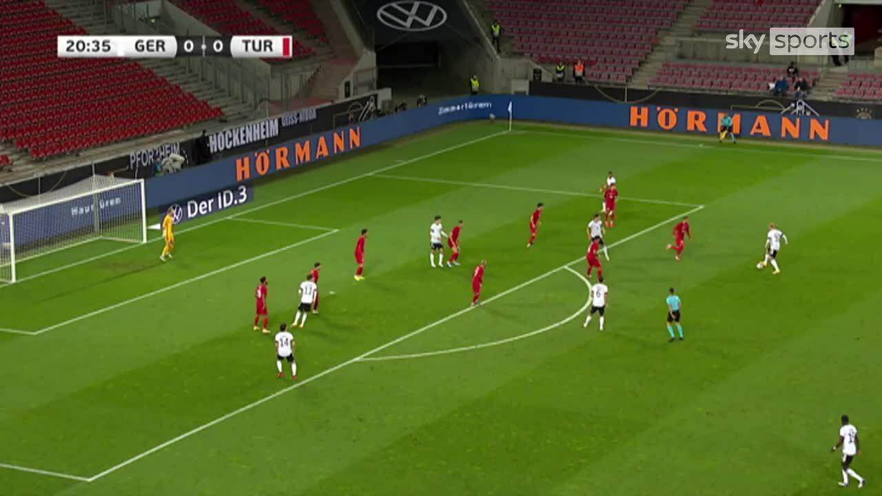 Đức 3-3 Thổ Nhĩ Kỳ