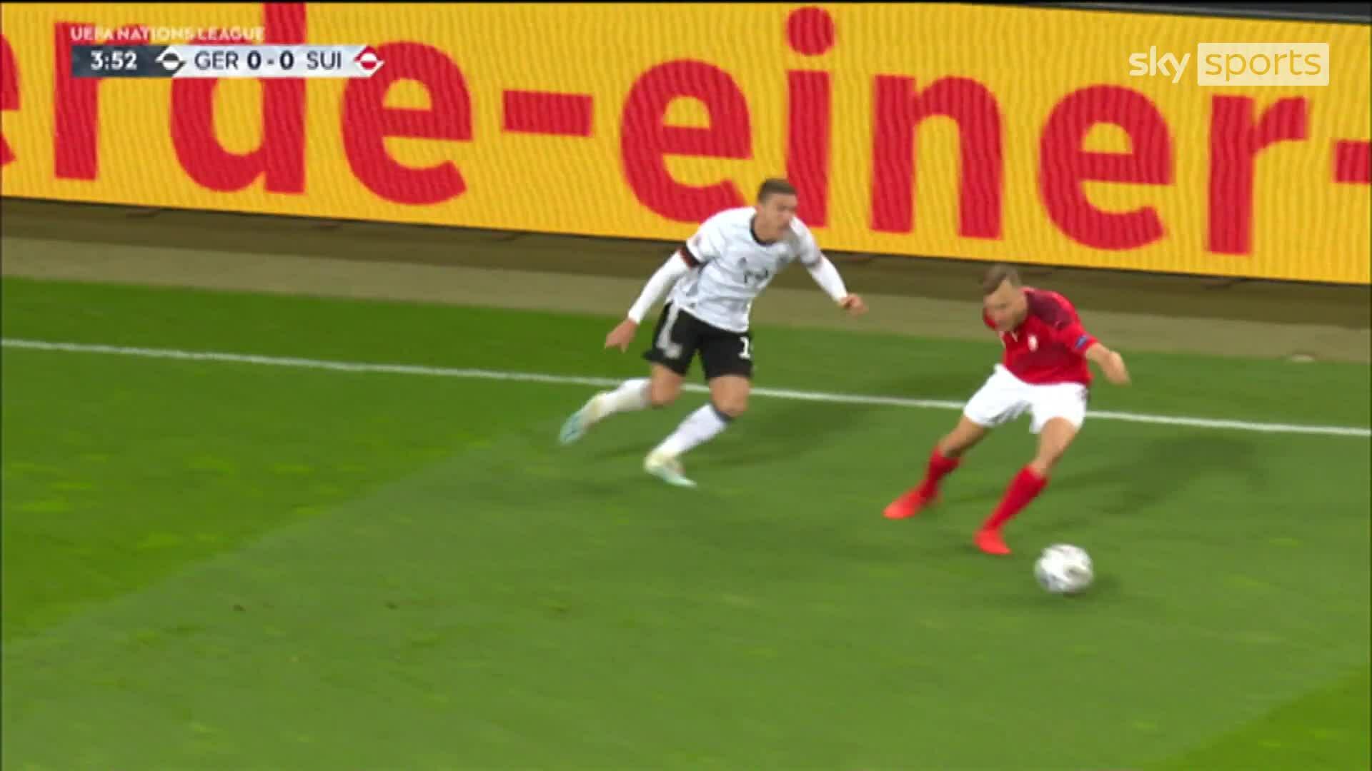 Đức 3-3 Thụy Sĩ