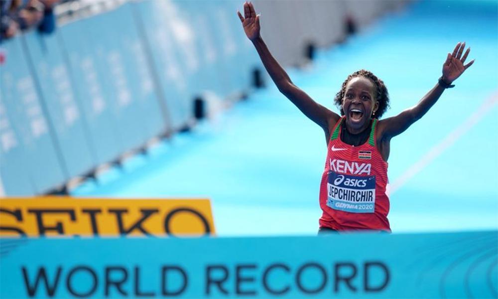 Jepchirchir lập kỷ lục thế giới chạy bán marathon